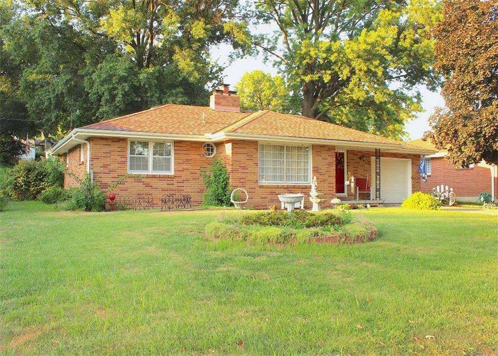 2823 Scott Street Property Photo - St Joseph, MO real estate listing