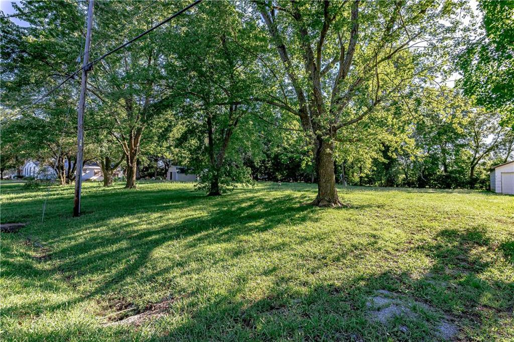823 Main Street Property Photo - Wellsville, KS real estate listing