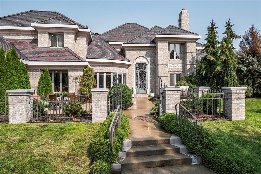 9800 N Revere Avenue Property Photo 1