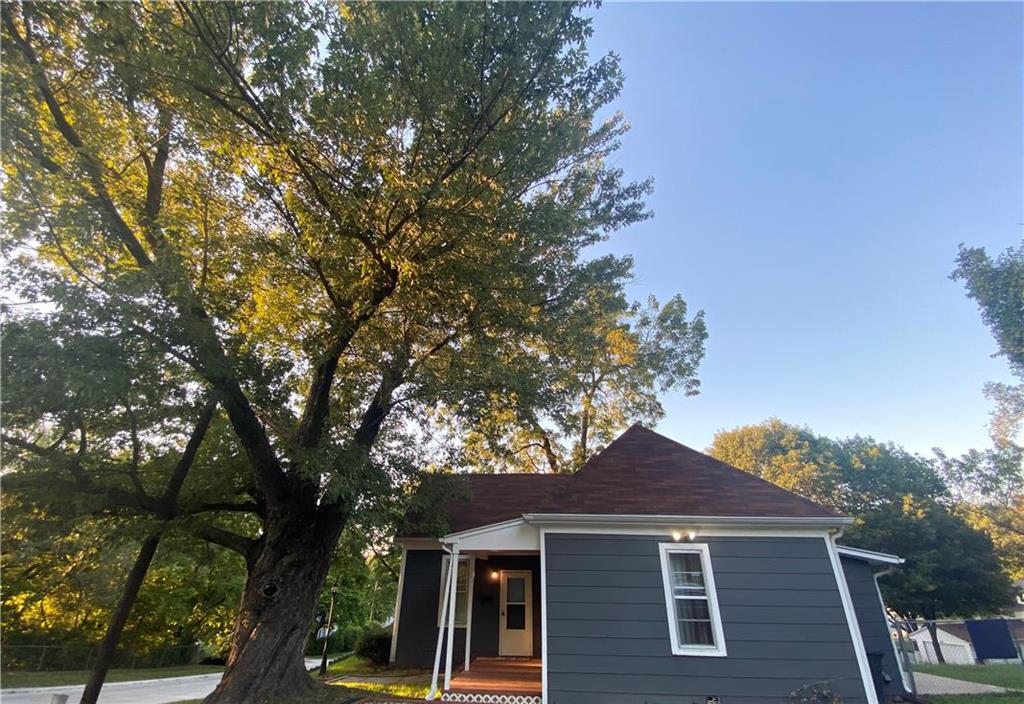 2401 N 12th Street Property Photo - St Joseph, MO real estate listing