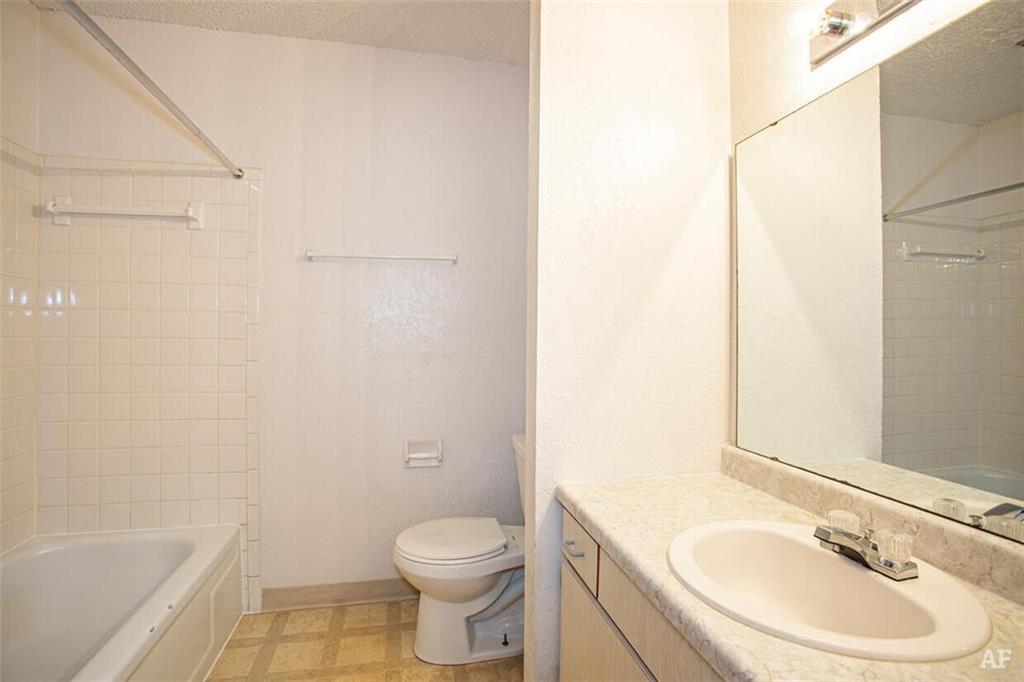 12204 Nw Heady Avenue Property Photo 7