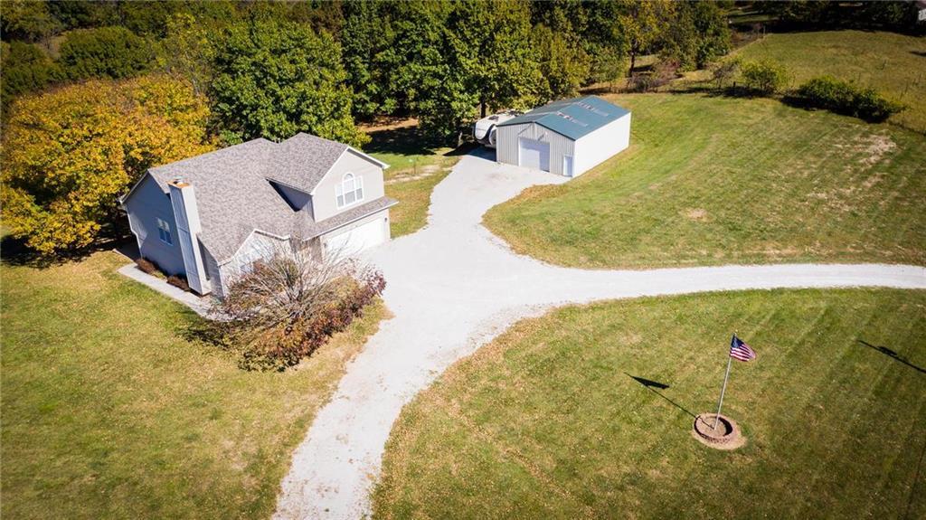 5300 NW 56th Street Property Photo - Kansas City, MO real estate listing
