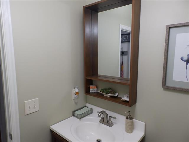 6204 Nw 103rd Street Property Photo 10