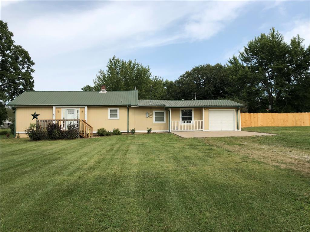 1545 Parker Avenue Property Photo - Osawatomie, KS real estate listing