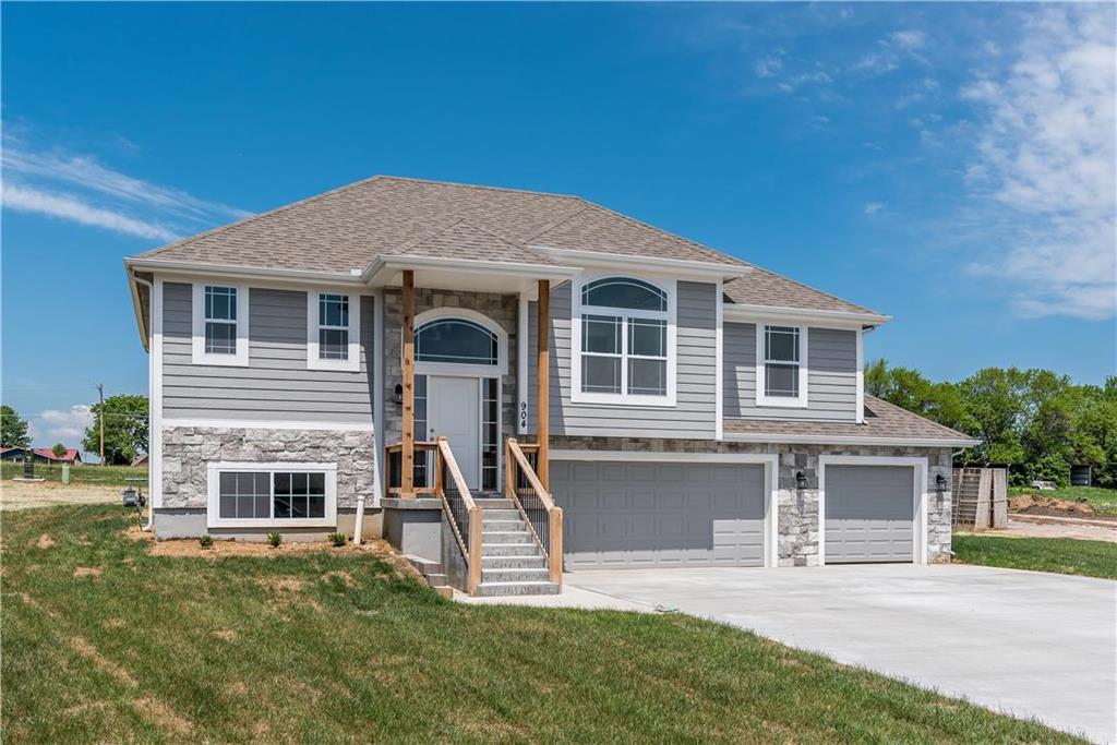 1815 N 162nd Terrace Property Photo