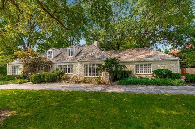 1900 W 63rd Street Property Photo - Mission Hills, KS real estate listing
