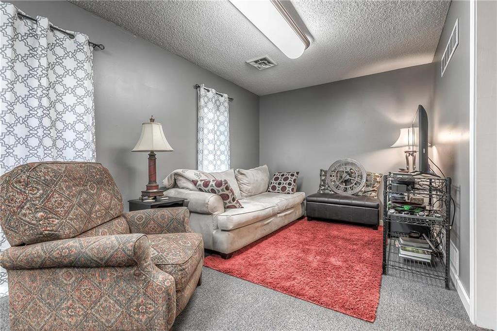 4 W Monroe Street Property Photo 21