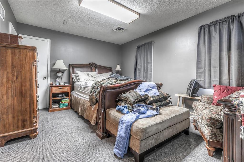 4 W Monroe Street Property Photo 26