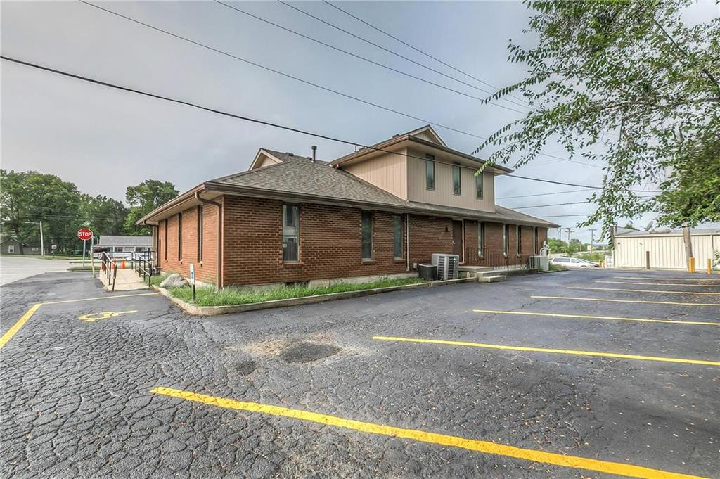 4 W Monroe Street Property Photo 35
