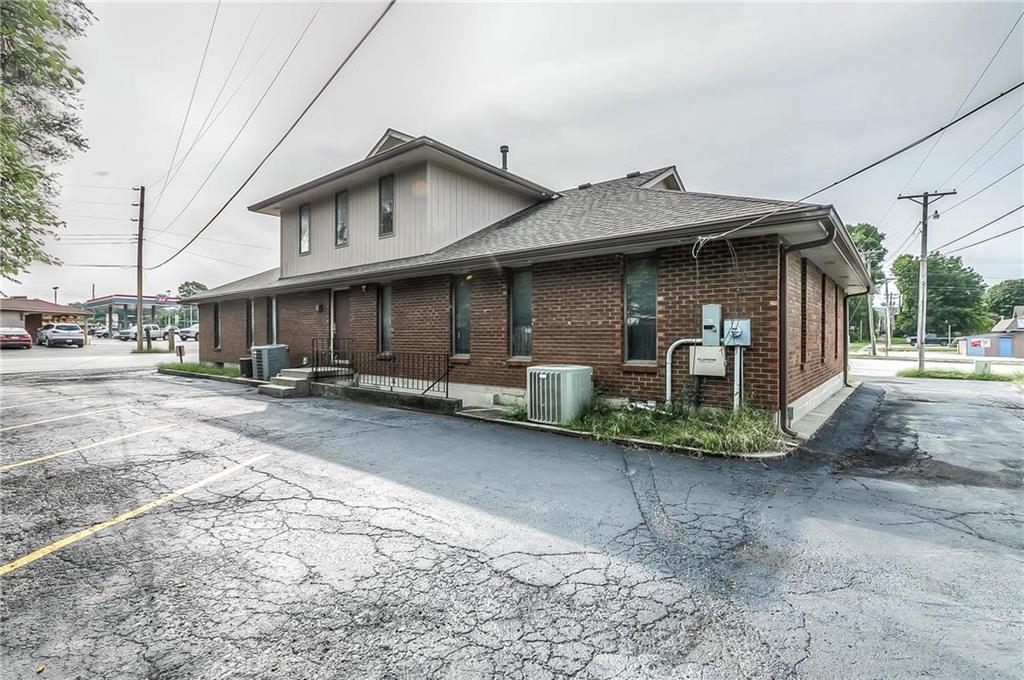4 W Monroe Street Property Photo 36