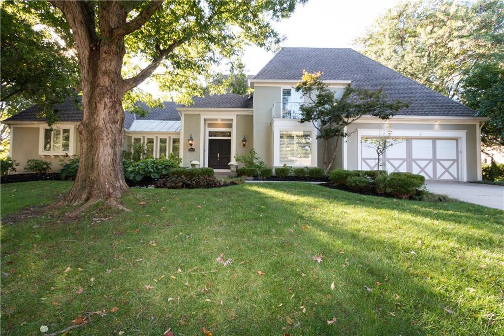 2211 W 124th Street Property Photo - Leawood, KS real estate listing
