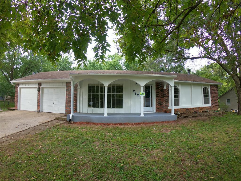 212 S Wells Street Property Photo - Butler, MO real estate listing