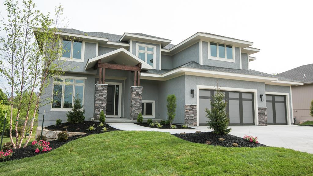 2516 NE Willow Creek Lane Property Photo - Lee's Summit, MO real estate listing