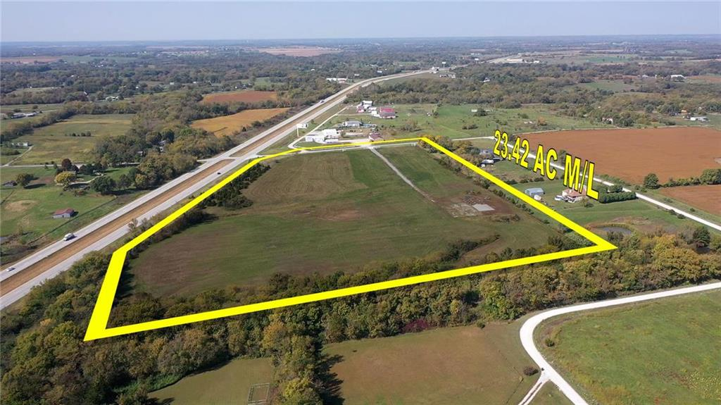425 NW 1051 Road Property Photo - Centerview, MO real estate listing