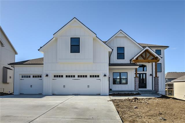 7926 NE 102nd Street Property Photo - Kansas City, MO real estate listing