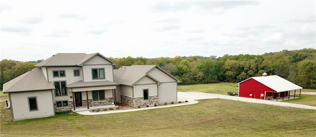11 E 900 Road Property Photo