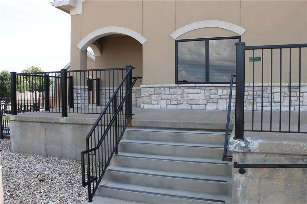 5005 Frederick Avenue Property Photo - St Joseph, MO real estate listing