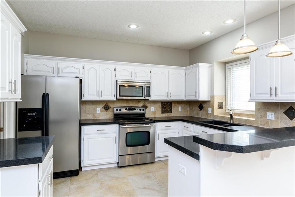 12208 Craig Street Property Photo - Overland Park, KS real estate listing