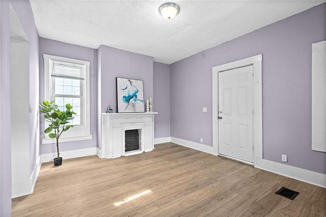 347 Maple Boulevard Property Photo - Kansas City, MO real estate listing