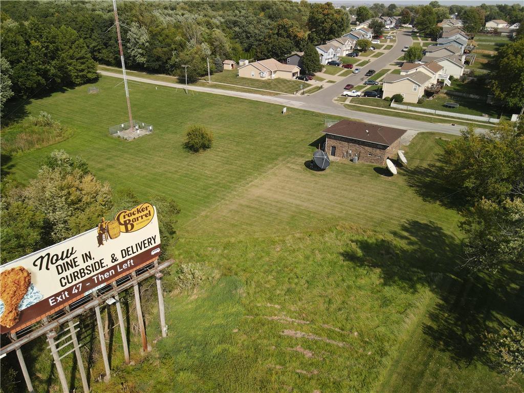 2414 S Leonard Road Property Photo - St Joseph, MO real estate listing