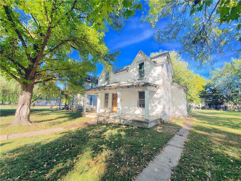 305 S Chestnut Street Property Photo - Iola, KS real estate listing