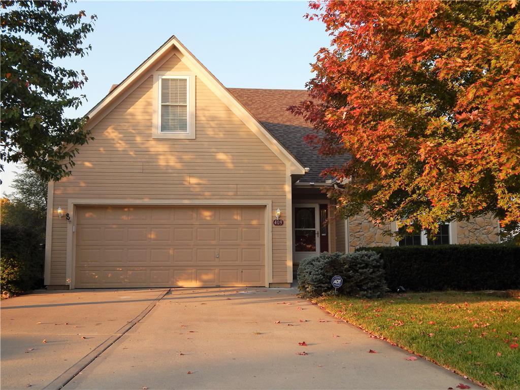 409 Hillcrest Street Property Photo - Lansing, KS real estate listing