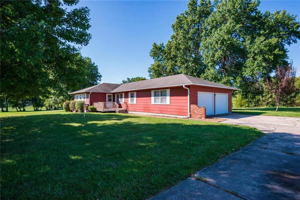 4008 SW Ward Road Property Photo - Lee's Summit, MO real estate listing