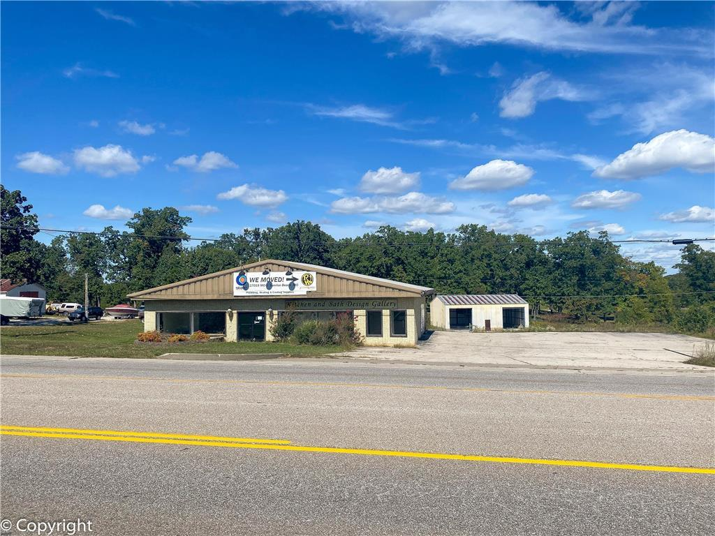 242 S Main Street Property Photo - Laurie, MO real estate listing