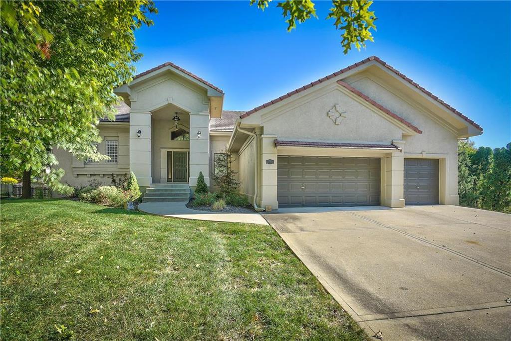 15717 Howe Street Property Photo - Overland Park, KS real estate listing