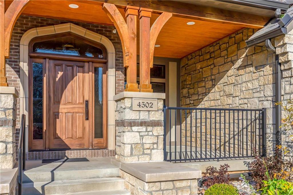 4502 Summit Street Property Photo