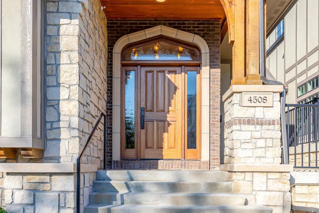 4508 Summit Street Property Photo - Kansas City, MO real estate listing