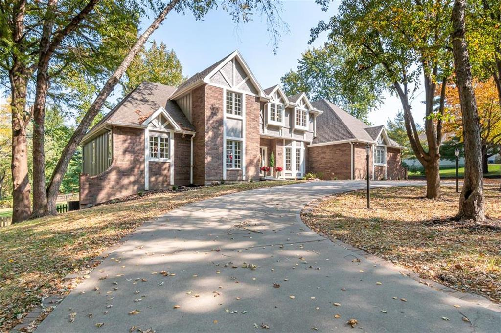 29 Eastwood Drive Property Photo - St Joseph, MO real estate listing