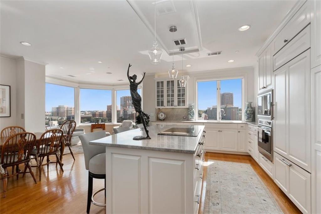 411 W 46th Terrace #503 Property Photo