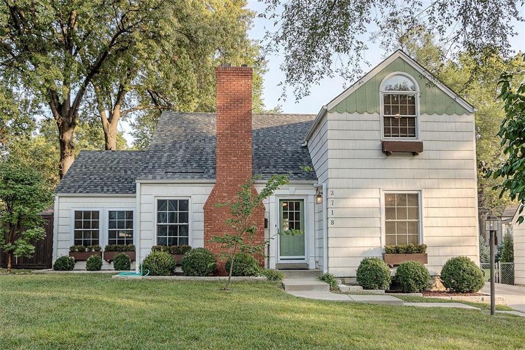 2718 W 51st Street Property Photo - Westwood, KS real estate listing
