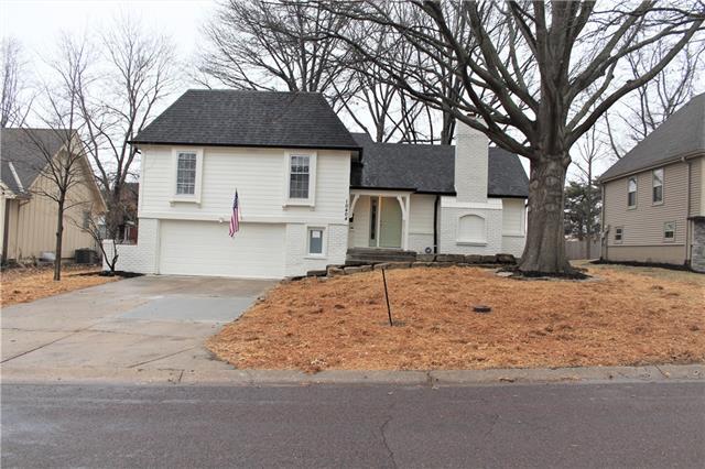 10404 Wedd Street Property Photo - Overland Park, KS real estate listing