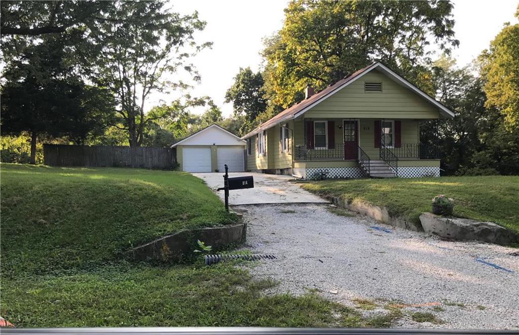 814 N Grand Avenue Property Photo