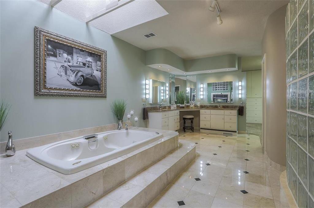 1800 Sw Fountain Drive Property Photo 36
