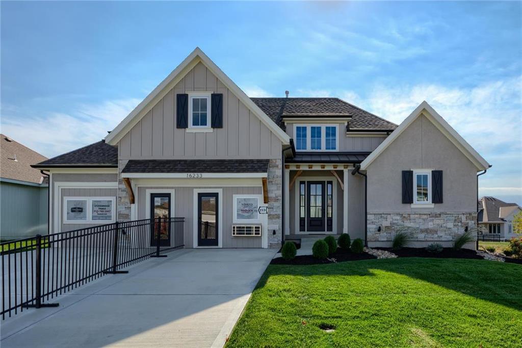 16233 W 165th Terrace Property Photo - Olathe, KS real estate listing