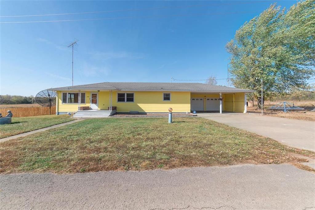1401 S Maple Street Property Photo - Garnett, KS real estate listing