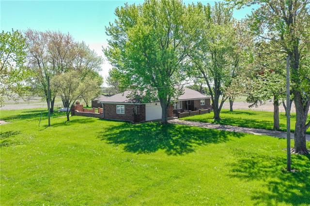 21355 Sunflower Road Property Photo - Edgerton, KS real estate listing
