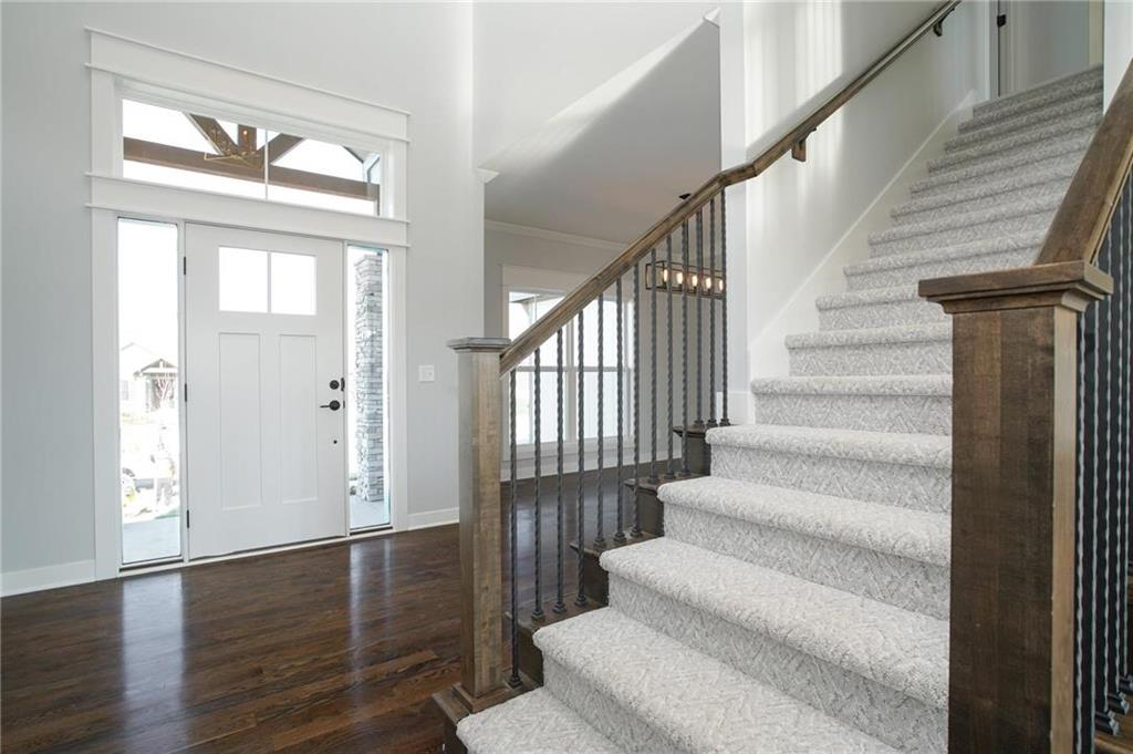 1112 SW Heather Drive Property Photo - Lee's Summit, MO real estate listing