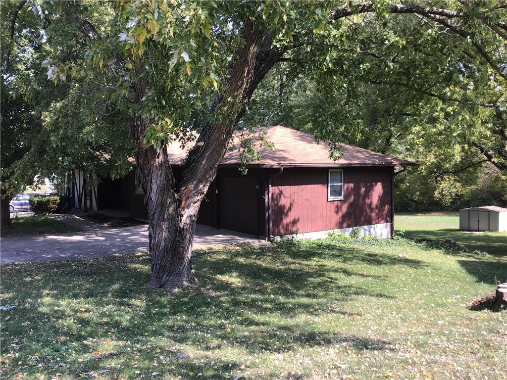 904 N Chestnut Street Property Photo - Cameron, MO real estate listing
