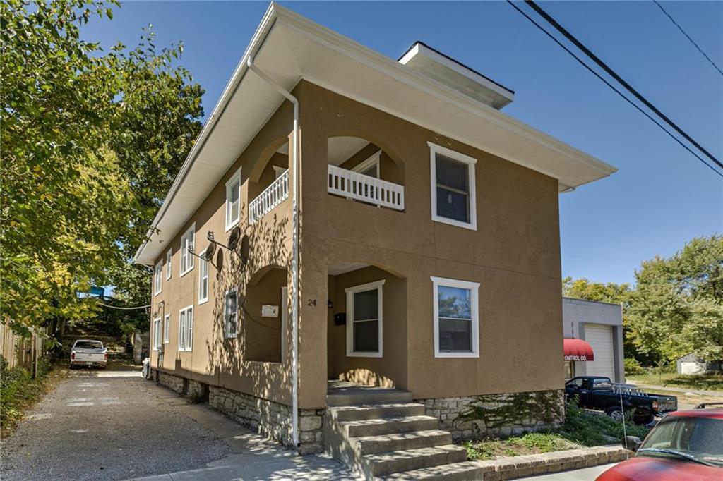 24 N 10th Street Property Photo - Kansas City, KS real estate listing