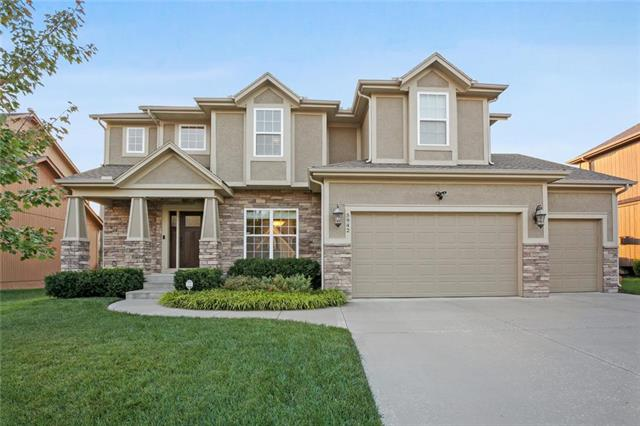 5942 Theden Street Property Photo - Shawnee, KS real estate listing