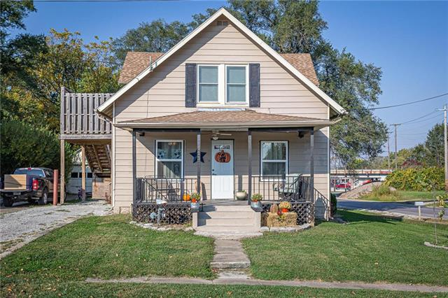 523 N Pennsylvania Avenue Property Photo - Lawson, MO real estate listing
