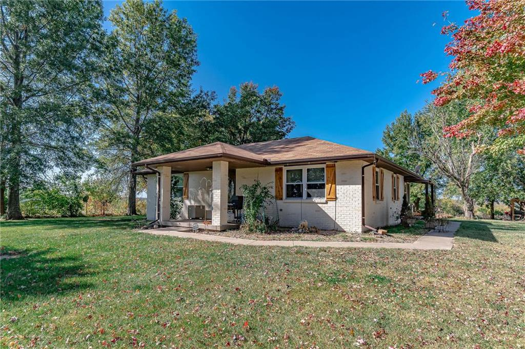 18496 Nolker Road Property Photo - Rayville, MO real estate listing