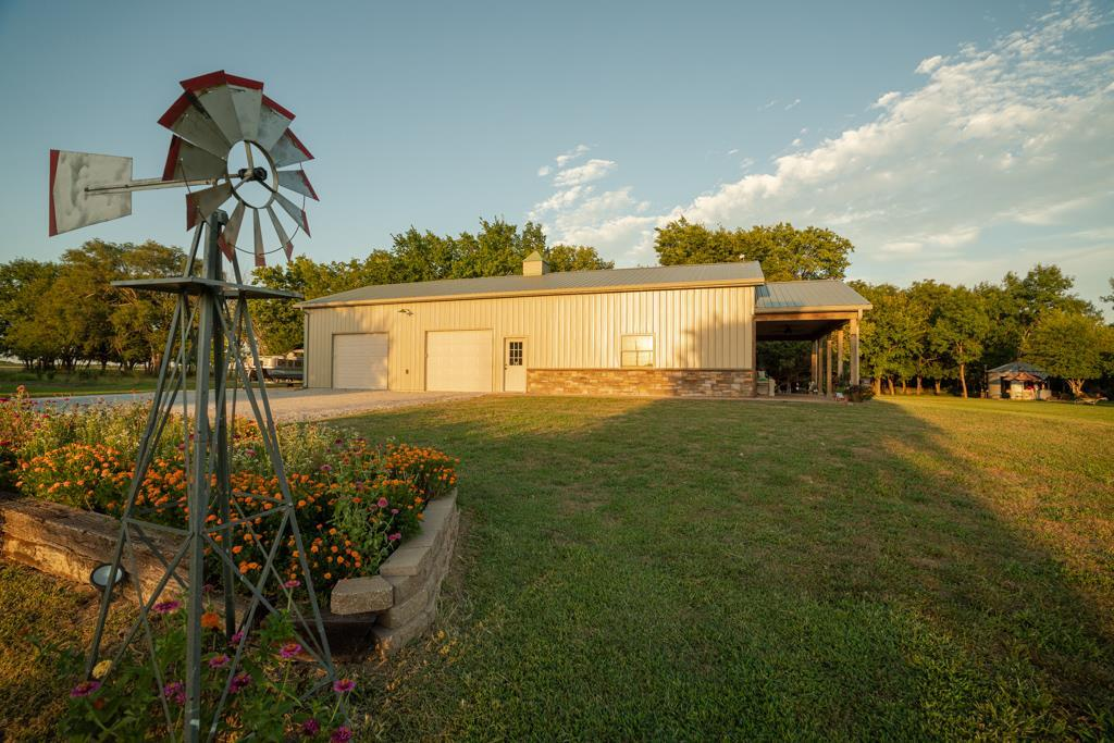 883 Shetland Road Property Photo - Leroy, KS real estate listing