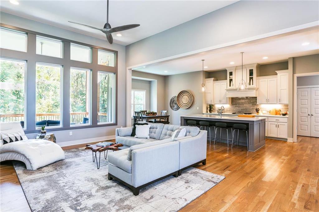 7037 N London Avenue Property Photo - Kansas City, MO real estate listing