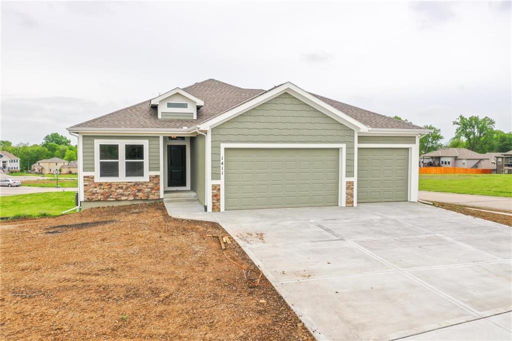 18205 Belinda Drive Property Photo - Smithville, MO real estate listing
