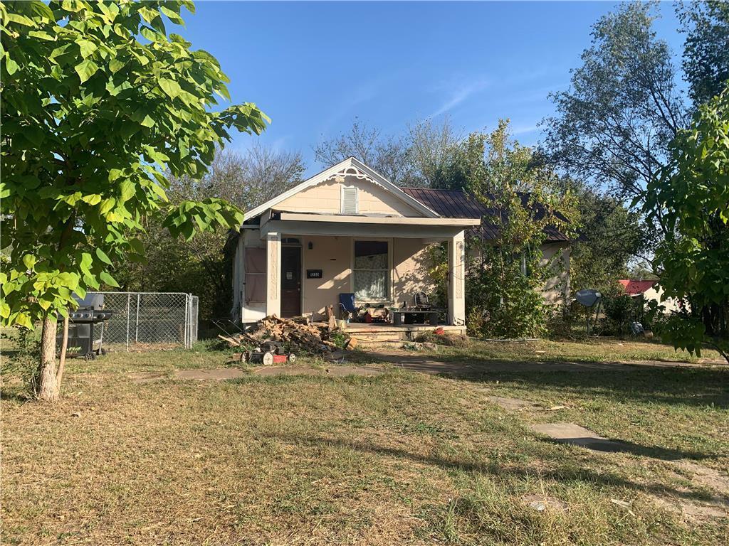 1233 E Oak Street Property Photo - Fort Scott, KS real estate listing
